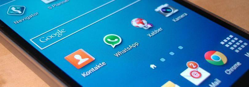 Bild von Handydisplay mit Whatsapp